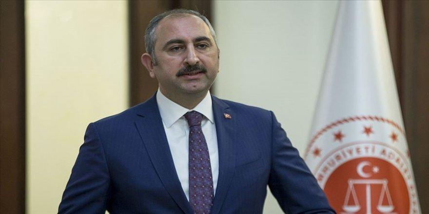 Adalet Bakanı Gül: İYİ Parti Genel Başkanını millet ve tarih huzurunda özür dilemeye davet ediyorum