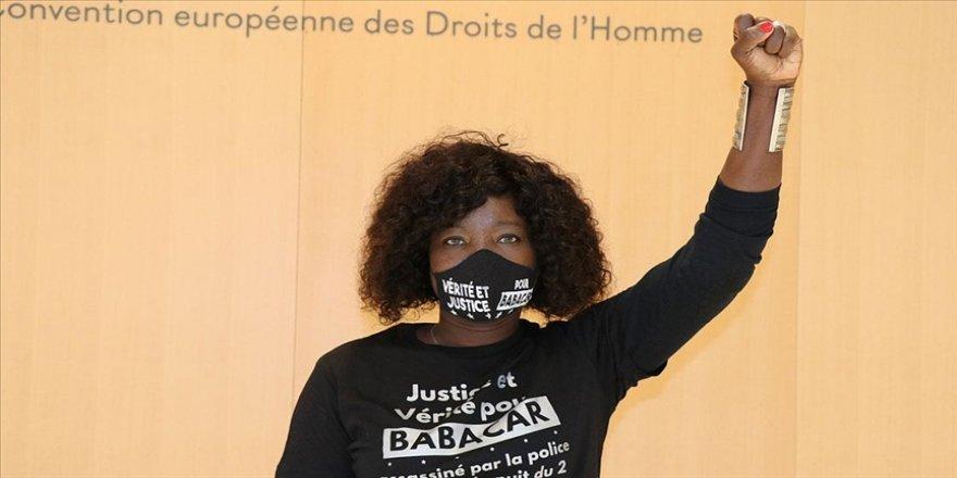 Fransa'da polis kurşunuyla kardeşi öldürülen Senegal asıllı Awa Gueye, kardeşi için adalet arıyor