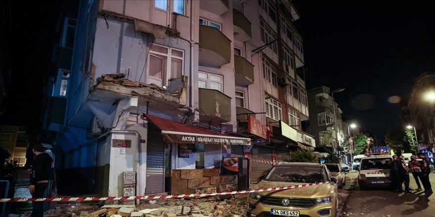 Avcılar'da bir apartmanın balkonu çöktü