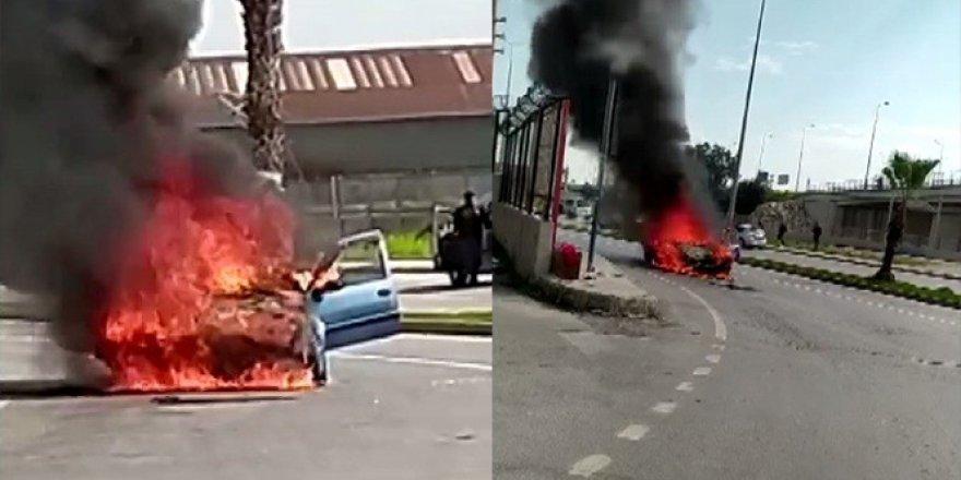 Seyir halindeki otomobil alev alev yandı!