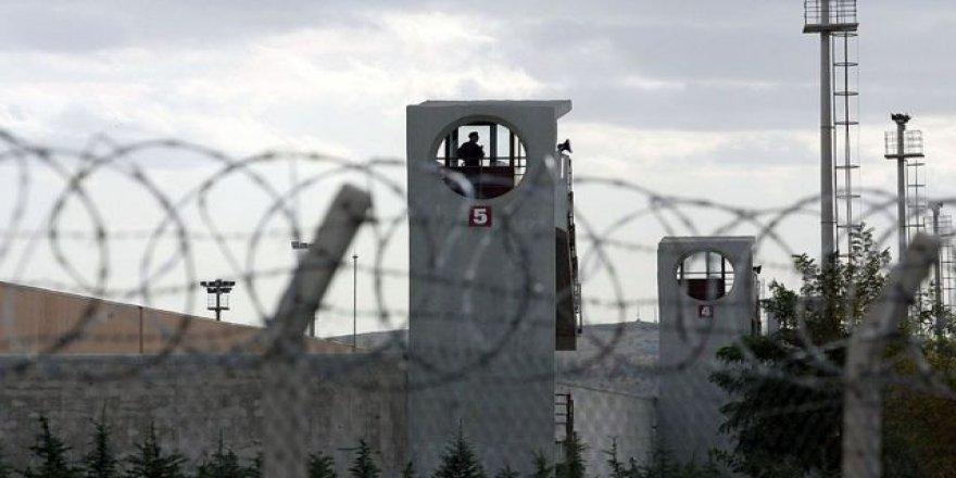 Gebze'de araba çalan şahıs tutuklanarak cezaevine gönderildi