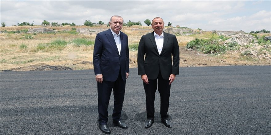 Cumhurbaşkanı Erdoğan ile Azerbaycan Cumhurbaşkanı Aliyev Fuzuli'de bir araya geldi