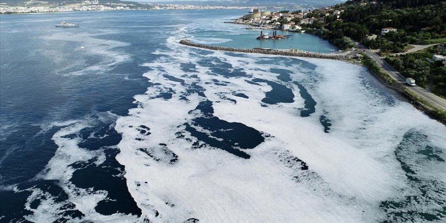 Bakan Kurum: Marmara Denizi'nden 8 günde 3 bin 288 metreküp müsilaj temizlendi