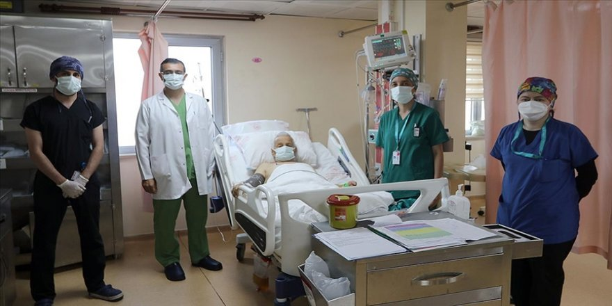 Rize'de 88 yaşındaki hasta 'başparmak anjiyografi' operasyonuyla sağlığına kavuştu