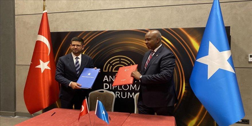 Cumhurbaşkanlığı Yatırım Ofisi ile Somali Yatırım Tanıtım Ajansı arasında mutabakat zaptı imzalandı