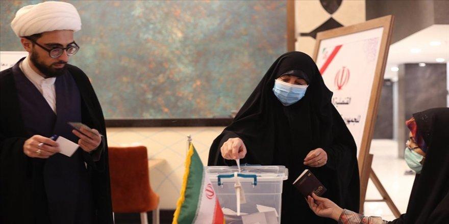 İran'da 13. Cumhurbaşkanlığı Seçimleri'nde oy verme işlemi sona erdi