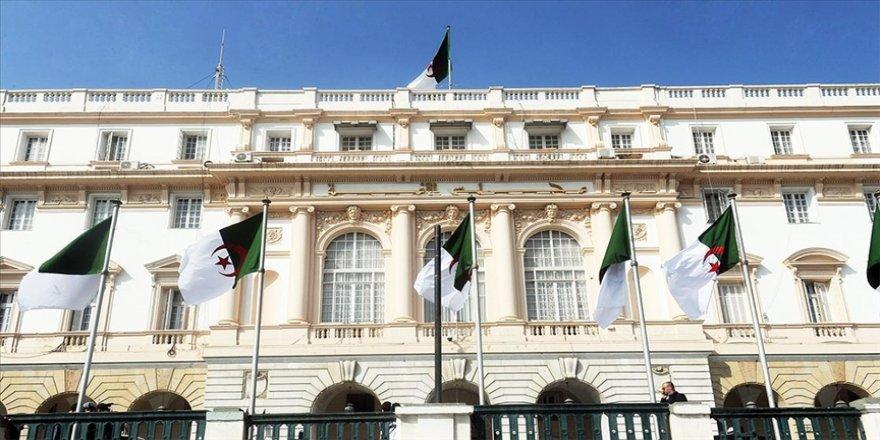 Cezayir Meclisinde ikinci güç olmayı başaran bağımsızlar Cumhurbaşkanı'nın 'gizli partisi' olabilir mi?
