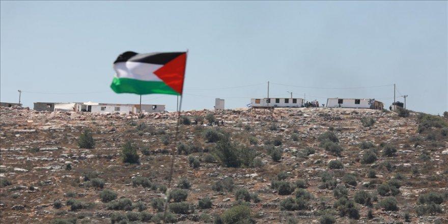 Batı Şeria'nın Nablus kentindeki Filistinliler, Yahudi yerleşim birimlerine canları pahasına karşı çıkıyor