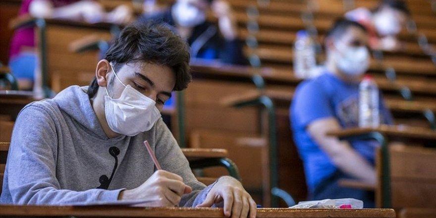 YKS'ye girecek öğrencilere 'çözemedikleri soruyla inatlaşmamaları' uyarısı