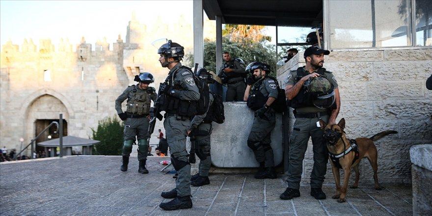 İsrail güçleri Yahudi yerleşimcilerin yürüyüşü için Şam Kapısı'nın olduğu alanı kapattı