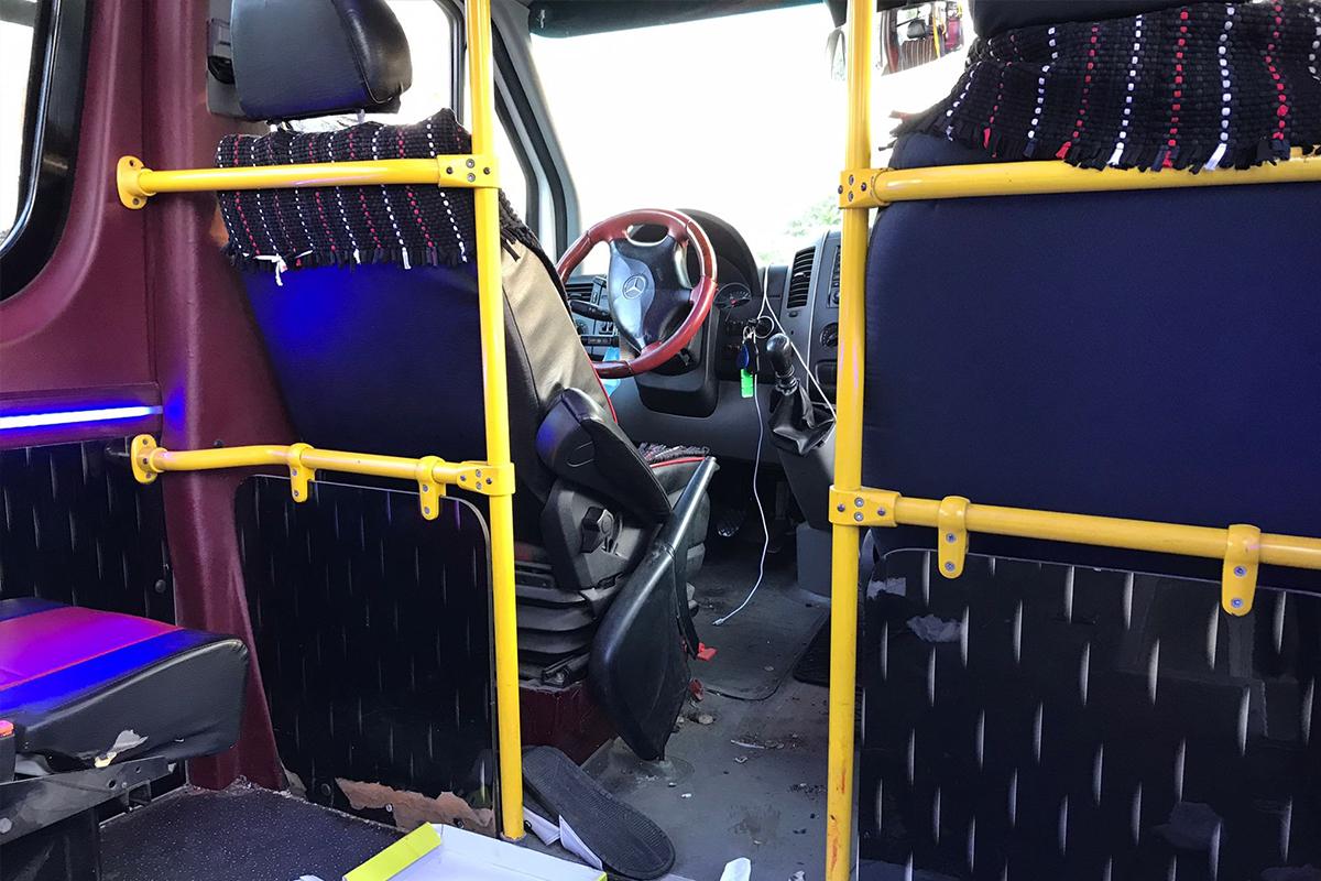 Pendik'te seyir halindeki dolmuş şoförü, yolcu tarafından silahla vurularak öldürüldü
