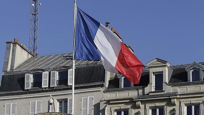 Fransa'da Ulusal Meclis tartışmalı Kovid-19'la mücadele yasa tasarısını kabul etti