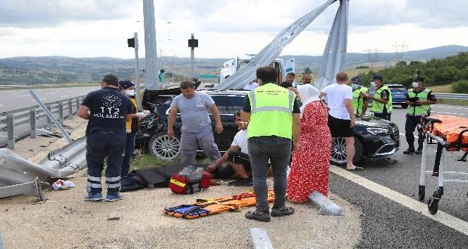 Kuzey Marmara Otoyolu'nda feci kaza, hayata döndürebilmek için dakikalarca çabaladılar