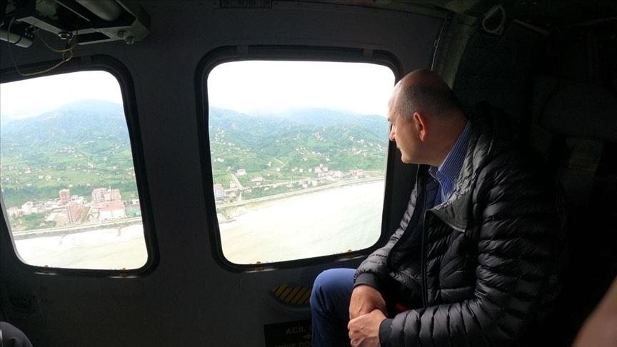 İçişleri Bakanı Soylu, Artvin'de selin etkili olduğu alanları havadan inceledi