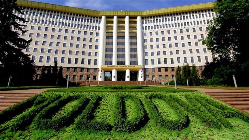 Moldova'da Cumhurbaşkanı Sandu'nun partisi, parlamento seçiminin resmen galibi