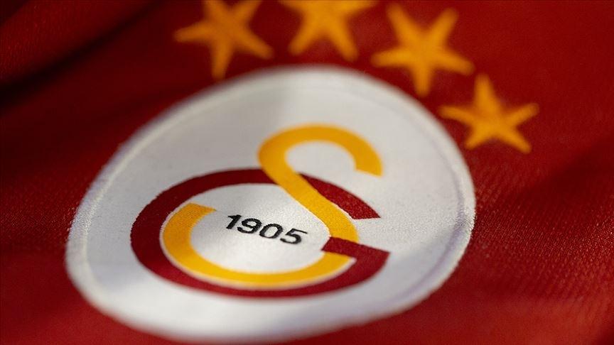 Galatasaray 3 futbolcunun transferi için görüşmelere başlandığını açıkladı