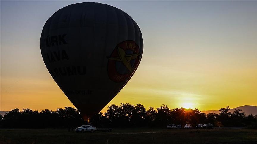 Kapadokya balonları Kuzey Makedonya semalarında
