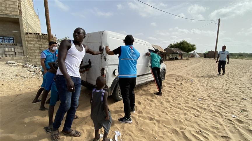 Türkiye Diyanet Vakfı bu bayramda da Senegallilerin yüzünü güldürdü