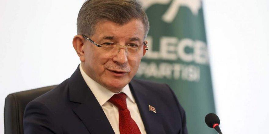 Ahmet Davutoğlu, AK Parti ve Demokrat Partili Meclis üyelerine Gelecek Partisi rozetlerini taktı
