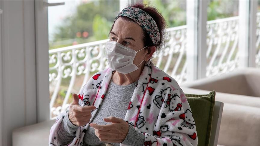 Tedavisi tamamlanan sanatçı Fatma Girik taburcu edildi