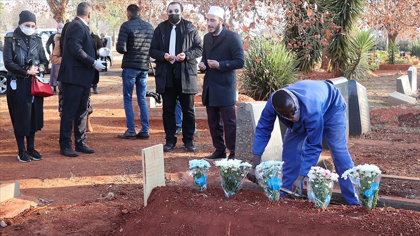 Güney Afrika'nın ilk Türk pilotu Rüştü Atala'nın oğlu Ahmet Atala Johannesburg'da toprağa verildi