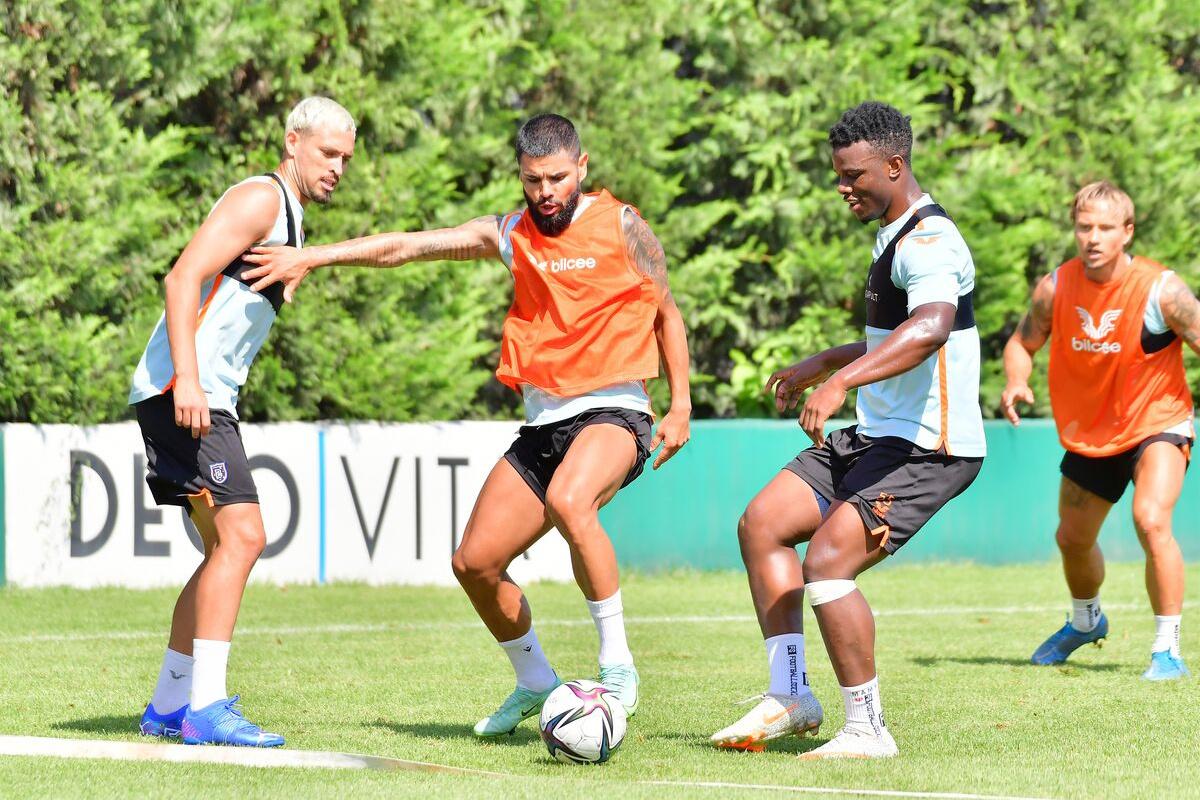 Başakşehir, yeni sezon hazırlıklarına devam etti