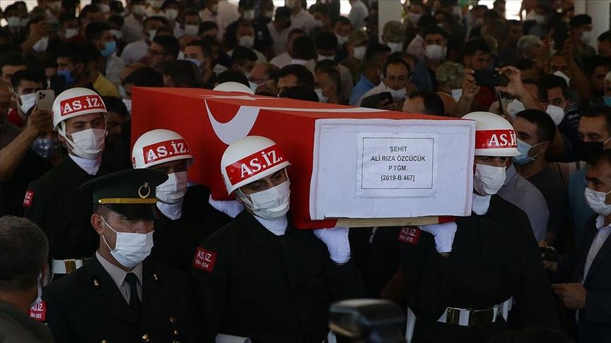Pençe Harekatı bölgesinde şehit olan Piyade Teğmen Ali Rıza Özcücük son yolculuğuna uğurlandı