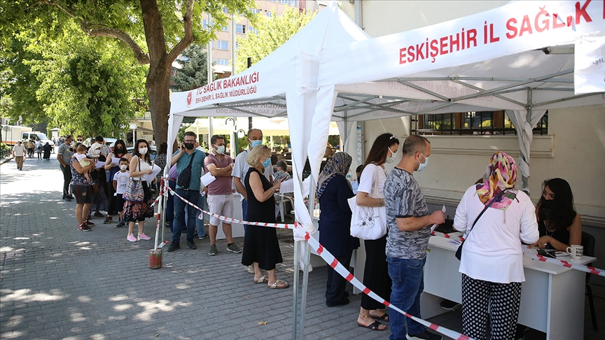 Eskişehir'de randevusuz Kovid-19 aşı uygulaması ilgi görüyor