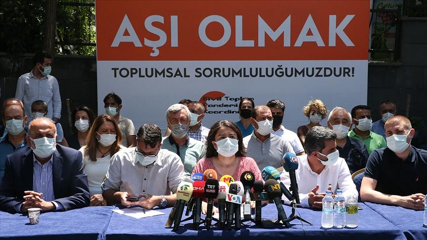 Diyarbakır'da Sivil Toplum Pandemi Koordinasyonundan 2 dilde aşı çağrısı