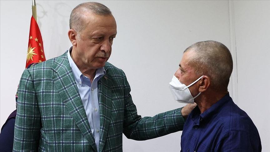 Cumhurbaşkanı Erdoğan, yangın söndürme ekiplerine su taşırken hayatını kaybeden Akdemir'in ailesine başsağlığı diledi