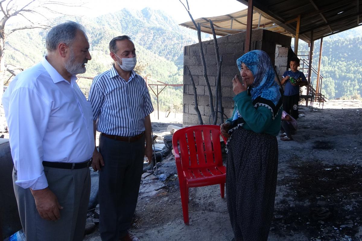 Kozan'da yangının yaraları imece usulü sarılıyor