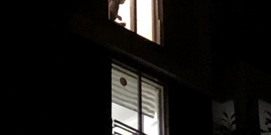 'Fransız balkon' can aldı, 4. kattan düşen kadın feci şekilde can verdi