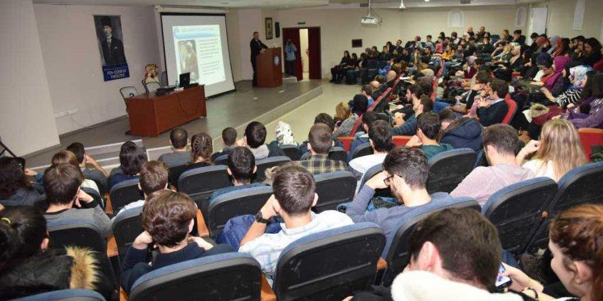 Marmara Üniversitesi'nde Dijital Pazarlama ve E-Ticaret Zirvesi