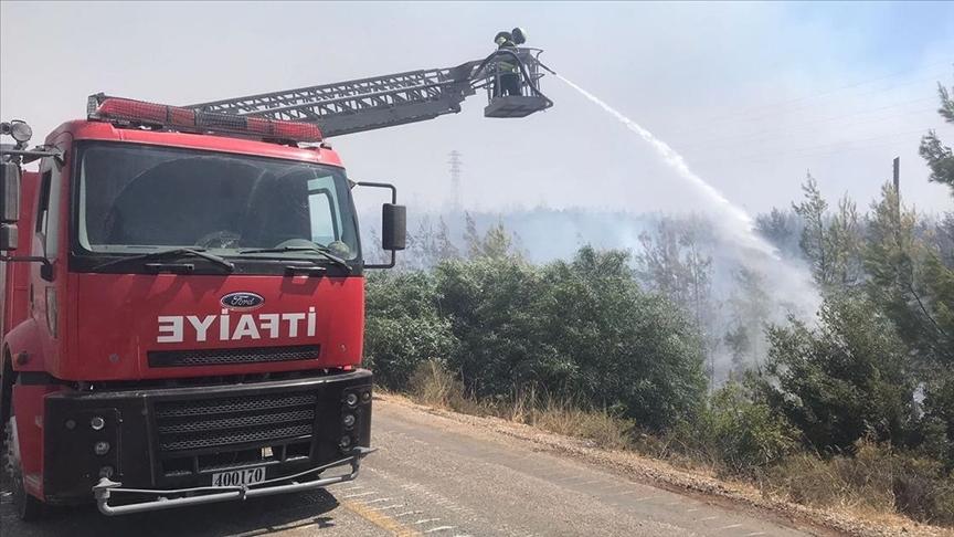 TSK, pek çok bölgede yangın söndürme ve tahliye çalışmalarına destek vermeyi sürdürüyo