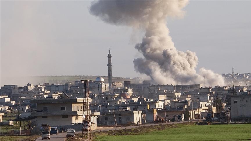 Esed rejimi güçleri, Suriye'nin güneyindeki Dera ilinde camiye havan topuyla saldırdı
