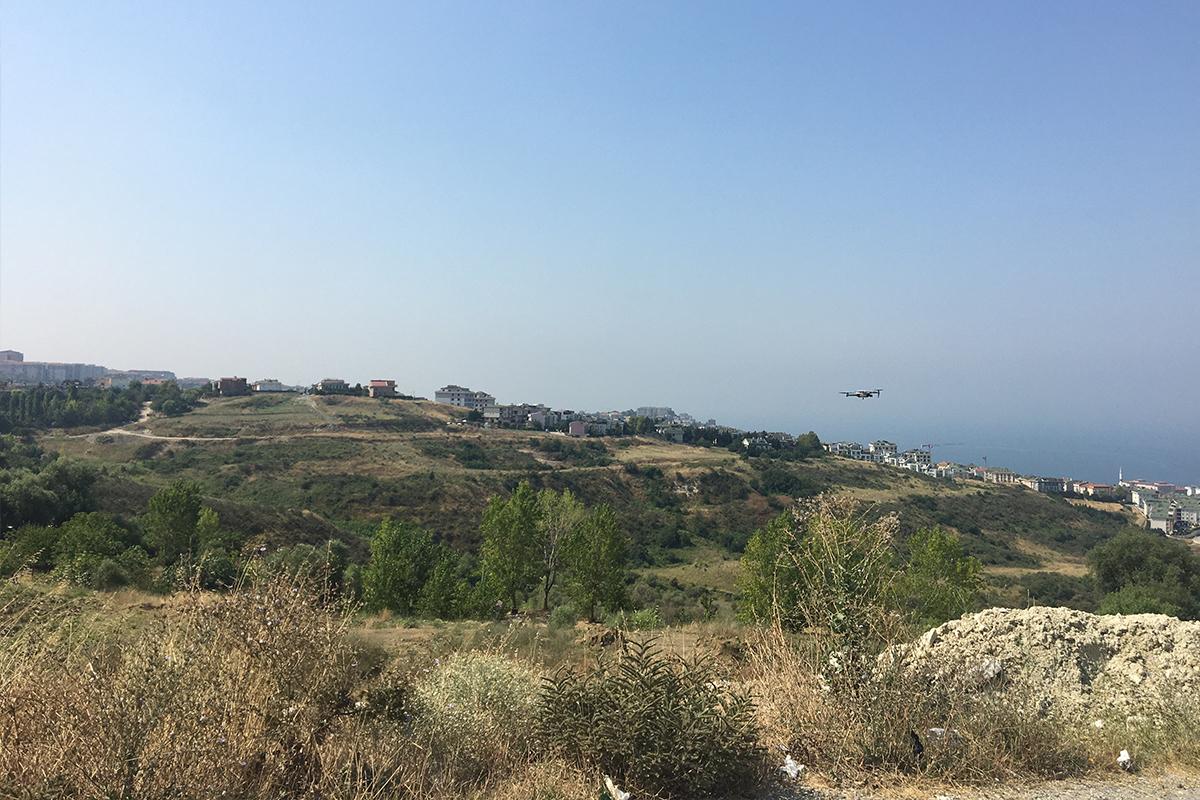 Büyükçekmece'de yangın tehlikesine karşı drone ile önlem alındı