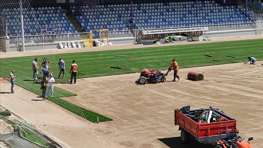 Ankara Keçiörengücü Aktepe Stadı'nın zemini yenileniyor