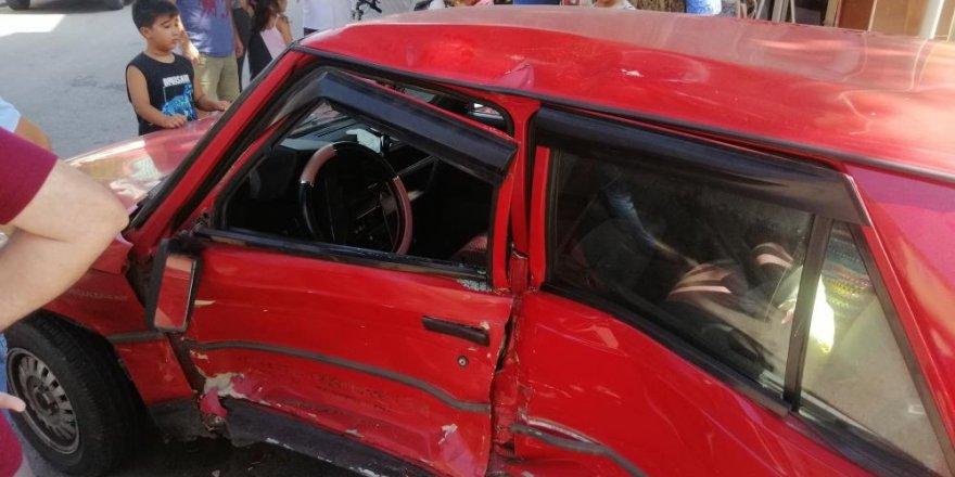 CHP Milletvekili Tarhan'ın içinde olduğu otomobil kaza yaptı