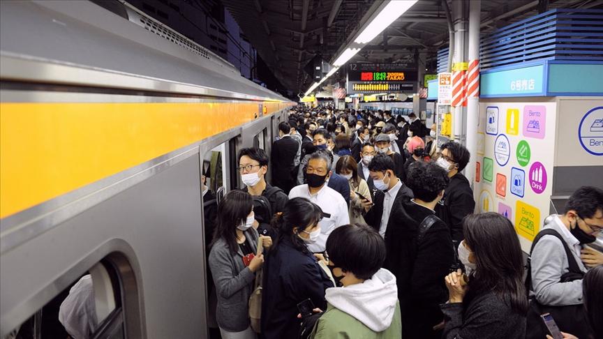 2020 Olimpiyatları'nın açılışının ikinci haftasında Tokyo'da en yüksek günlük Kovid-19 vakası tespit edildi