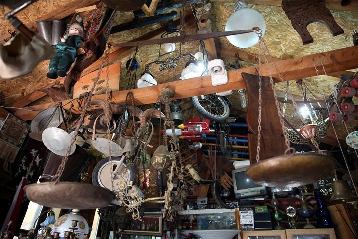 Emekli ahşap ustası, yıllardır topladığı antika eşyaları müzede sergilemek istiyor