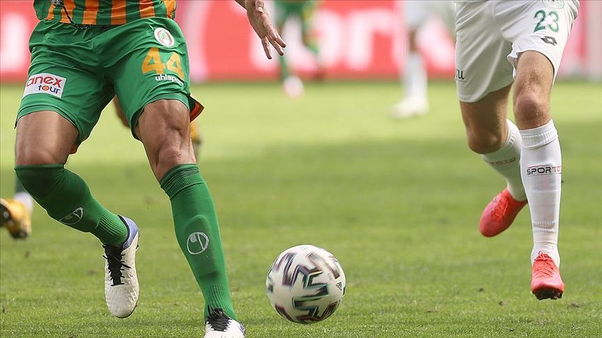 Alanyaspor ve Konyaspor, orman yangınlarında zarar görenler için hazırlık maçı yapacak