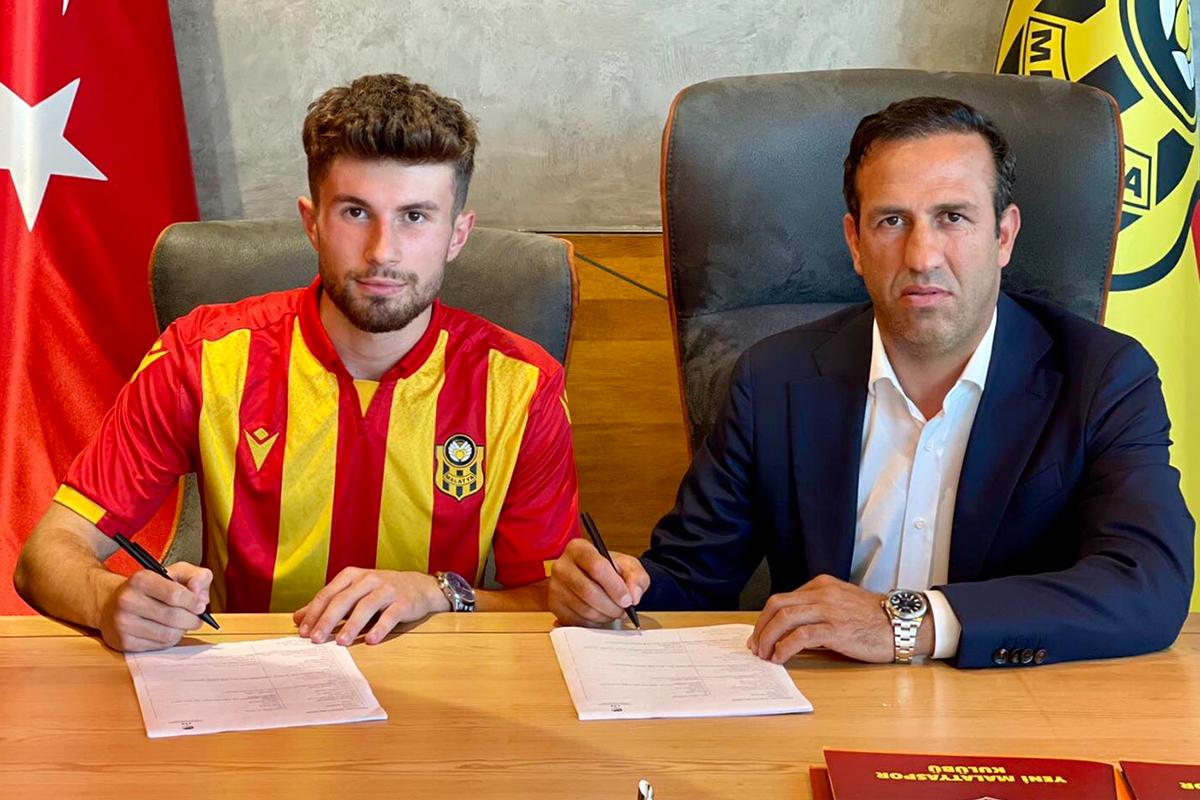 Yeni Malatyaspor, Mert Miraç Altıntaş ile sözleşme imzaladı