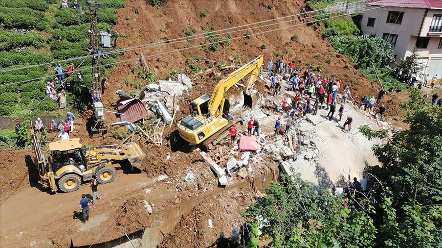 Rize'deki sel ve heyelandan etkilenen vergi mükellefleri için 'mücbir sebep hali' ilan edildi