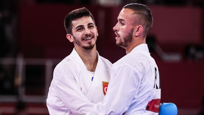 2020 Tokyo Olimpiyat Oyunları'nda karateci Eray Şamdan'ın erkekler kumite 67 kiloda gümüş madalya almasıyla Türkiye'nin olimpiyat madalya sayısı 98'e çıktı.