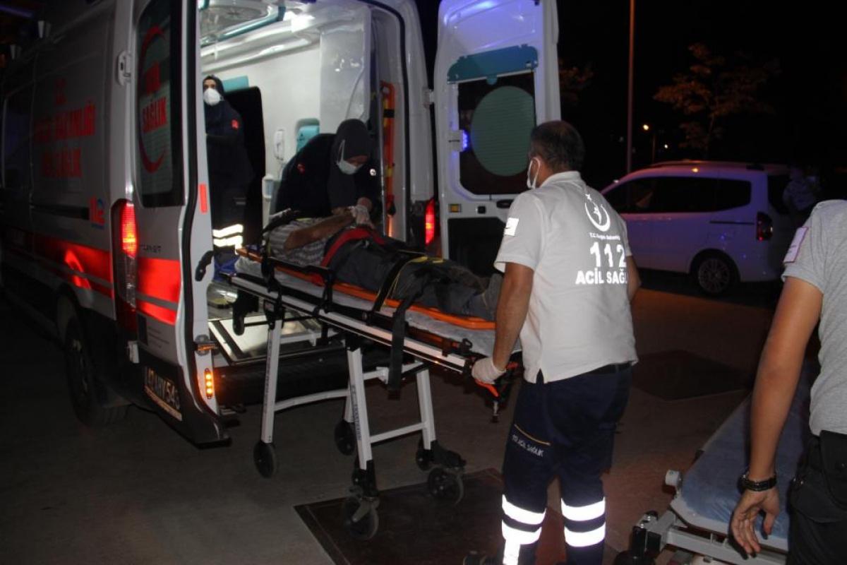 Minibüs ile traktör çarpıştı: 4 yaralı