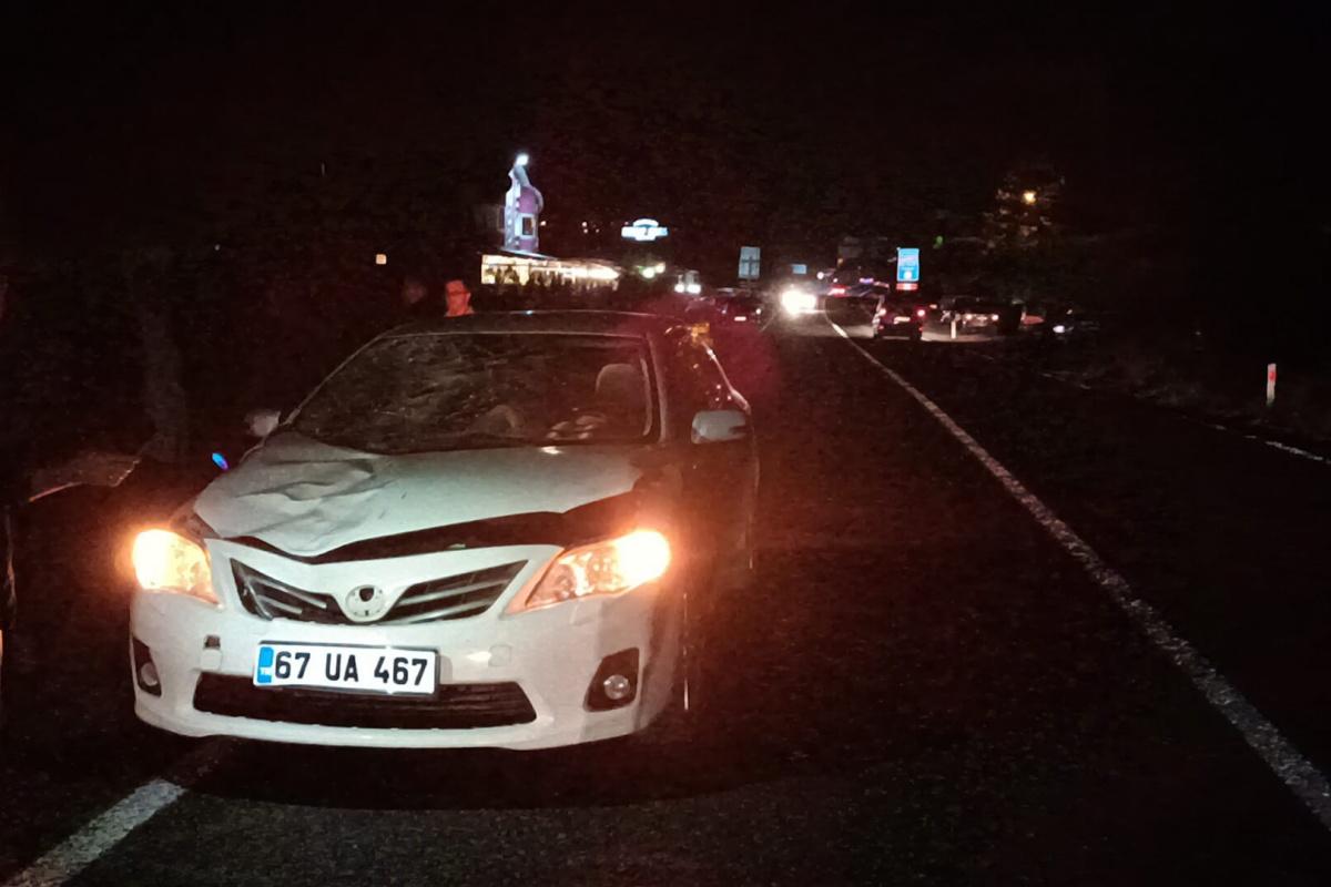 Otomobilin çarptığı 2 kadın hayatını kaybetti