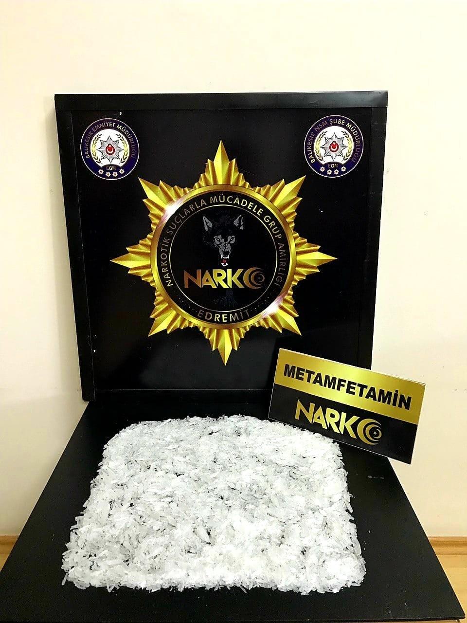 Sırt çantasında 471 gram metamfetamin ile yakalandı