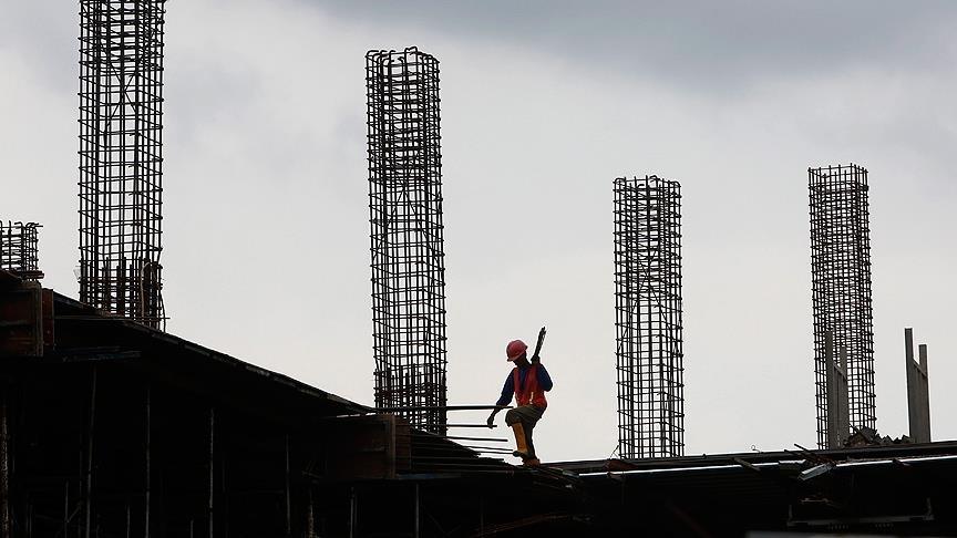 Müteahhitler, ihracat kısıtlaması kararının ardından çimento fiyatlarının düşmesini bekliyor