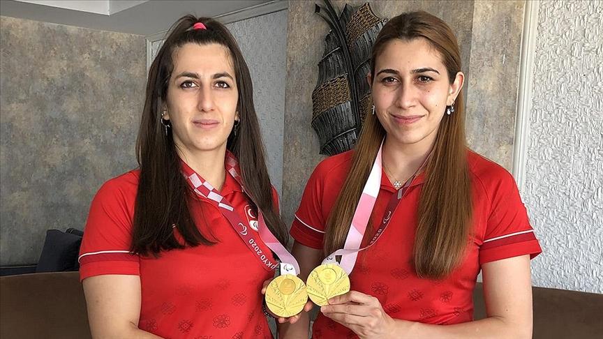 2020 Tokyo Paralimpik Oyunları'nın 'altın' kız kardeşleri