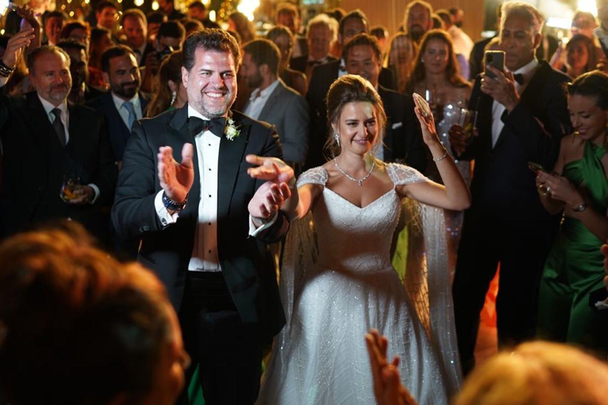 Özel uçaklarla gelip 3 gün 3 gece düğün yaptılar